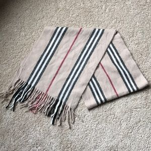 """Accessories - Women's """"Burberry-like"""" scarf"""